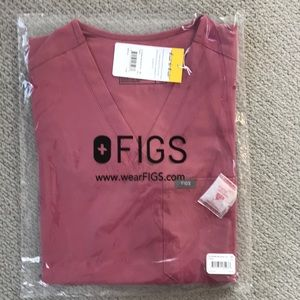 Figs scrub top
